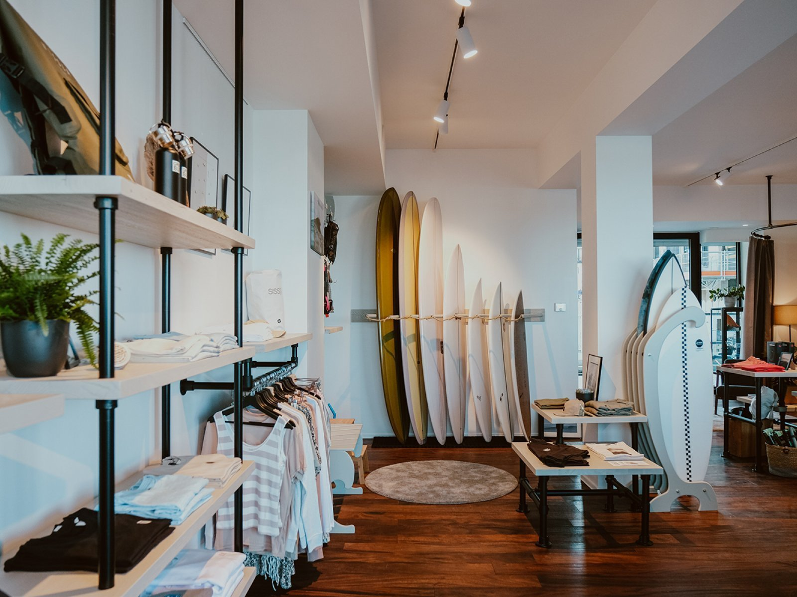 Surfshop in Residentie Oostkaai 11 te Oostende